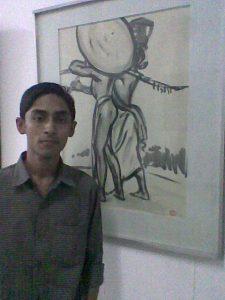 জয়নুল আবেদিনের সাঁওতালদের উপর আঁকা ছবিগুলোর একটির সামনে লেখক (গোপনে তোলা ছবি) :) (ছবি: তুহিন)